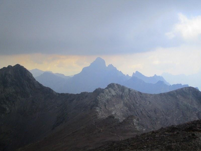 """Вид на гору Paglia Orba, """"Corsican Matterhorn"""", 2525 м"""