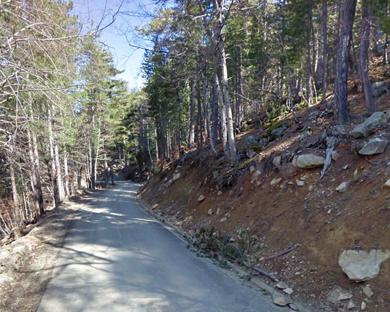 Фото из интернета . Дорога вверх от перевала di Verdi.