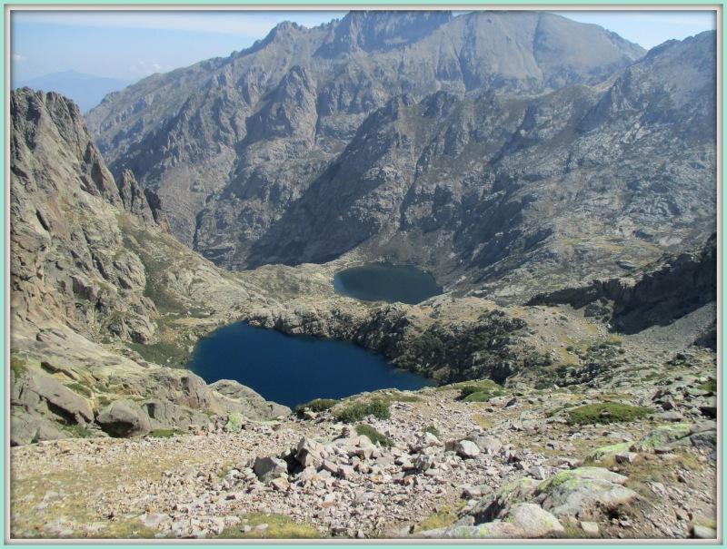 Два озера : Капителло (вверху) и Мело (внизу).