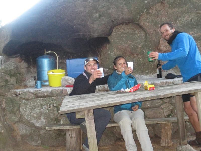 Томер и наши бельгийские друзья на рефьюже Палири на днь раньше нас (фото Томера)