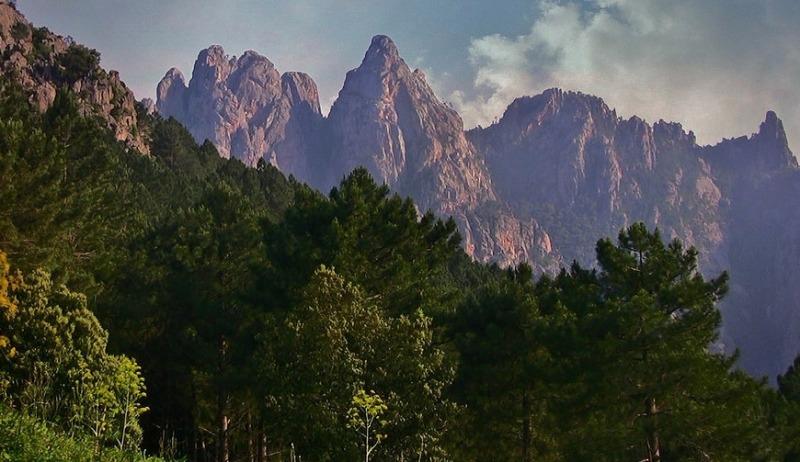Вид с перевала Ларон.
