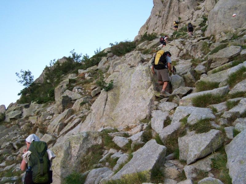 Подъём на перевал Bocca Stazzunara. (Фото для иллюстрации найдено в интернете.)