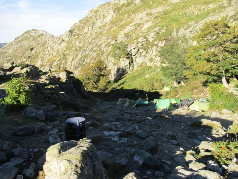 Съёмные палатки. В одной из них мы спали.