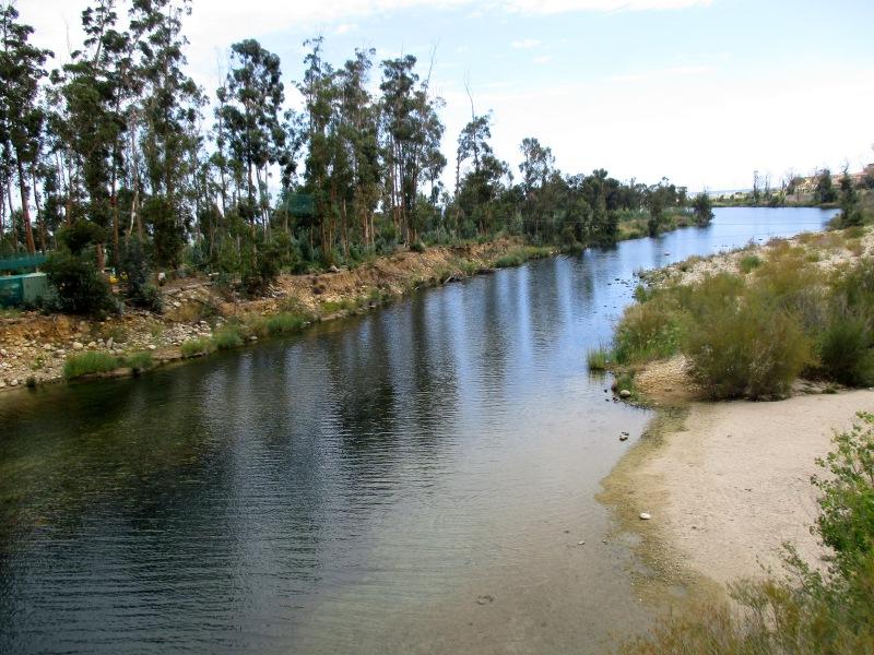 Речка Солензара. Впадает в море недалеко от кемпинга.