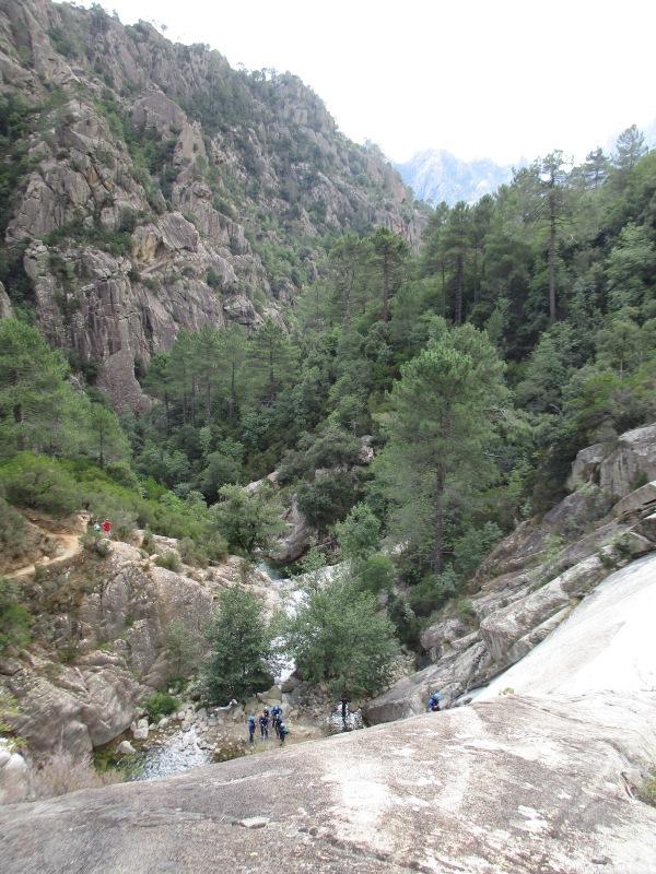 Прощальный взгляд на грандиозный каньон Пуркарация.