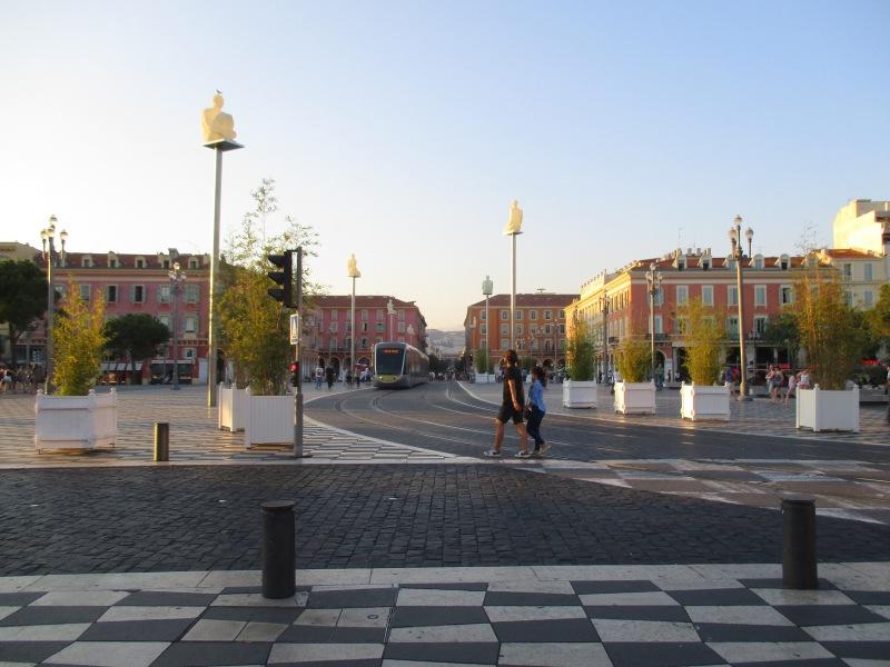 Главная улица Ниццы - Медичин.