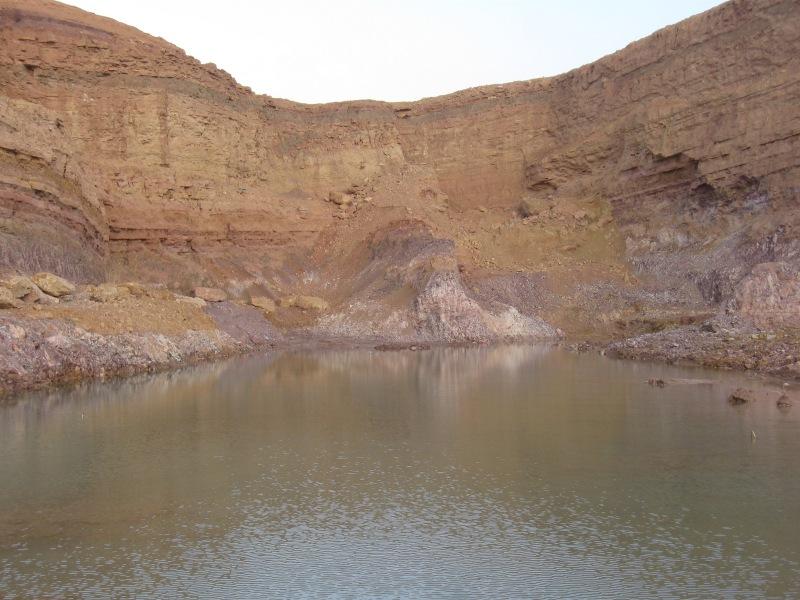 Так выглядит озеро в карьере ( בריכת חול זך )после ливней.
